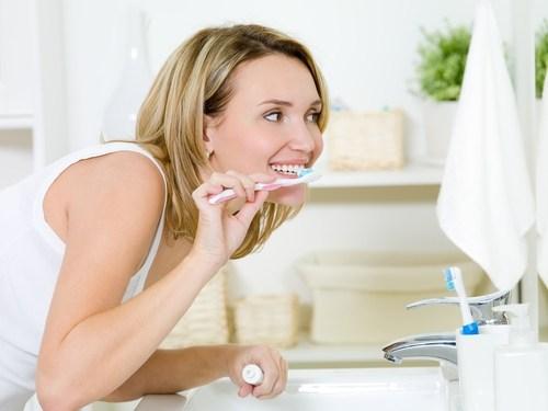 Nhổ răng khôn và chăm sóc răng miệng thật tốt để đảm bảo sức khỏe gia đình bạn