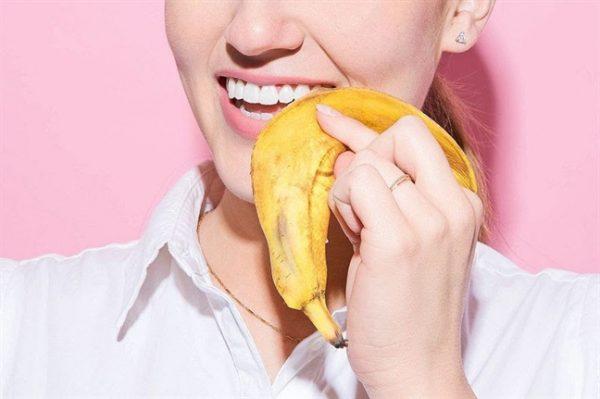 cách làm răng trắng khi bị ố vàng tại nhà